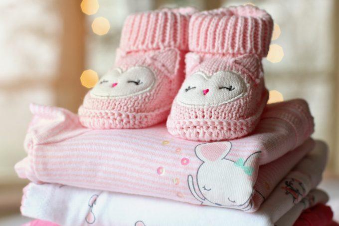 赤ちゃんの靴と洋服