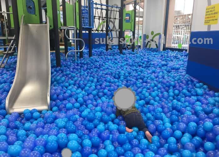 アソブラボーのボールプールゾーン